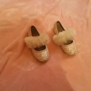 Girls shoes worn once
